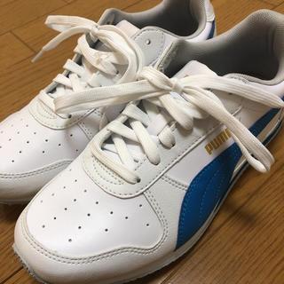 プーマ(PUMA)のPUMAスニーカー(ホワイト/ブルー)【Ladys/23.0新品】(スニーカー)