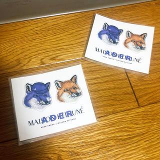 MAISON KITSUNE' - アーダーエラー  メゾンキツネ コラボステッカー 1枚
