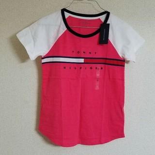 65699478983 トミーヒルフィガー(TOMMY HILFIGER)のTOMMY 刺繍ロゴ入り レディース用 薄手 Tシャツ