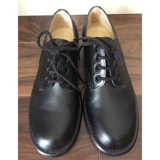 コムデギャルソン(COMME des GARCONS)のコムデギャルソン 黒の紐革靴(レディース)(ローファー/革靴)