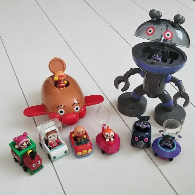 アンパンマン(アンパンマン)のアンパンマンミニカーセット エンタメ/ホビーのおもちゃ/ぬいぐるみ(キャラクターグッズ)の商品写真