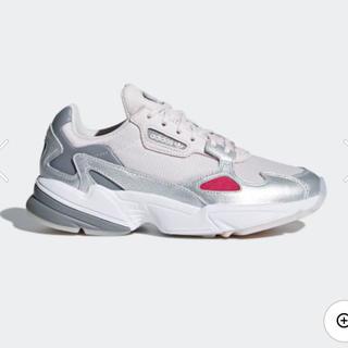 アディダス(adidas)のadidas ファルコン 22.0cm(スニーカー)