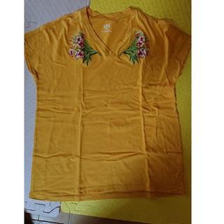 ユニクロ(UNIQLO)のTシャツ studio sanderson(Tシャツ(半袖/袖なし))