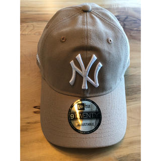 NEW ERA - 新品 US限定 MOMA x Yankees New Era Cap ベージュ