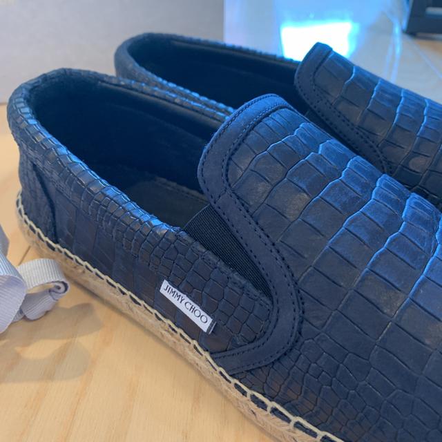 JIMMY CHOO(ジミーチュウ)のジミーチュウ スリッポン メンズ  43 新品 試着のみ 28センチ ネイビー  メンズの靴/シューズ(スリッポン/モカシン)の商品写真