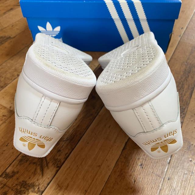 adidas(アディダス)のアディダス スタンスミス ゴールド ベルクロ レディースの靴/シューズ(スニーカー)の商品写真