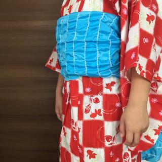ユニクロ(UNIQLO)のキッズ浴衣帯セット 和柄金魚とお話(甚平/浴衣)
