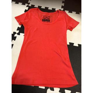 ゴージ(GORGE)の濃いサーモンピンク色 Tシャツ GORGE(Tシャツ(半袖/袖なし))