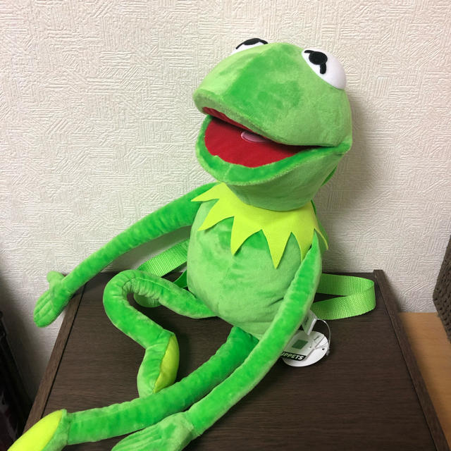 Disney(ディズニー)の【新品】ディズニー カーミット おでかけリュック エンタメ/ホビーのおもちゃ/ぬいぐるみ(キャラクターグッズ)の商品写真