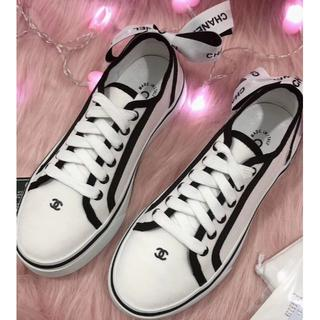 CHANEL - CHANEL シャネル 靴/シューズ スニーカー パンプス 黒/白 38