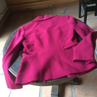 シビラ(Sybilla)のローズ色、シビラの上品なジャケット(テーラードジャケット)