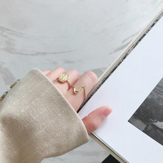 アメリヴィンテージ(Ameri VINTAGE)のsilver925 変形デザインリング gold No.169(リング(指輪))