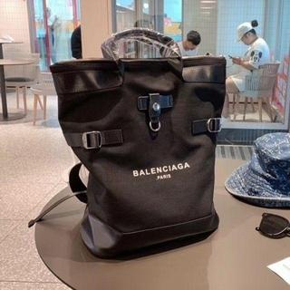 Balenciaga - 新作 バレンシアガバックリュック 黒