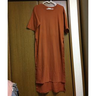 GU - GU半袖でMスリット入りロングワンピースTシャツ