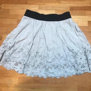グローブ(grove)の花柄ししゅうのミニスカート(ミニスカート)
