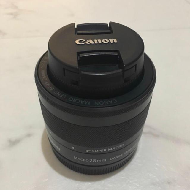 Canon(キヤノン)のEF-M28mm f3.5 マクロis stm スマホ/家電/カメラのカメラ(レンズ(単焦点))の商品写真