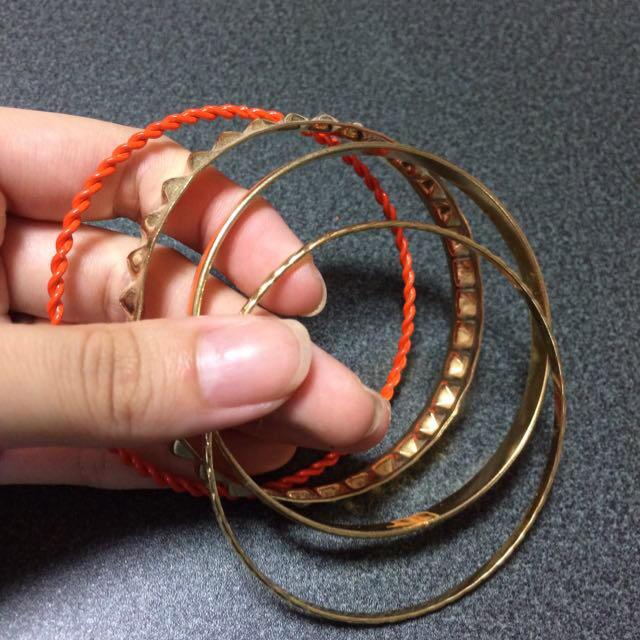 GU(ジーユー)の4連ブレスレット レディースのアクセサリー(ブレスレット/バングル)の商品写真