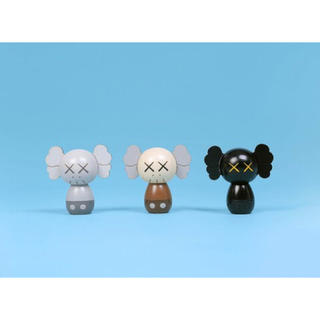 MEDICOM TOY - KAWS HOLIDAY JAPAN kokeshi