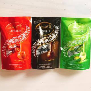 リンツ(Lindt)のリンツチョコレート 三種類 ミルク エクストラダーク マッチャ(菓子/デザート)