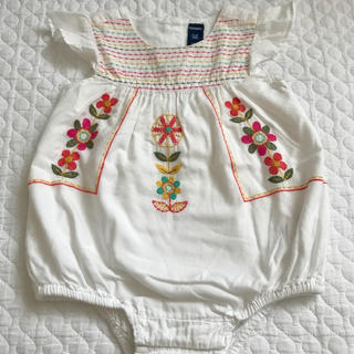 Old Navy - OLD NAVY 刺繍ロンパース♡70