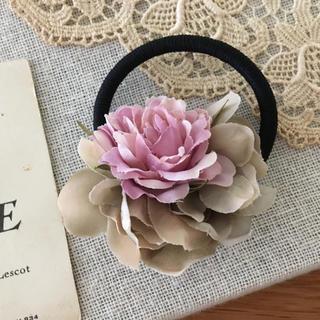 ローズピンクバラとベージュ紫陽花のヘアゴム(ヘアアクセサリー)