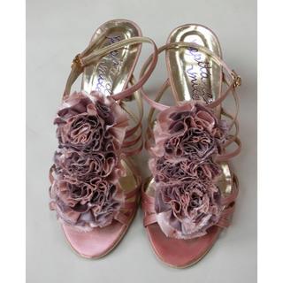 ユナイテッドアローズ(UNITED ARROWS)のユナイテッドアローズ 光沢のあるピンクとラベンダーの花?が付いたサンダル 23(サンダル)