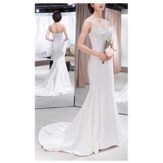 ウエディングドレス ホワイト 光沢サテン  ベアトップマーメイドライン トレーン(ミディアムドレス)