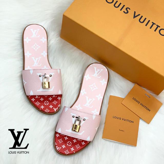 LOUIS VUITTON(ルイヴィトン)の858 2019年新作 ルイヴィトン モノグラム サンダル レディースの靴/シューズ(サンダル)の商品写真