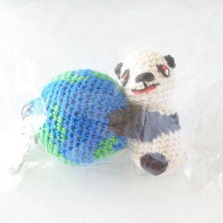 ビームス(BEAMS)の新品 miraco パンダと地球 編みぐるみ キーホルダー ミラコ(キーホルダー)