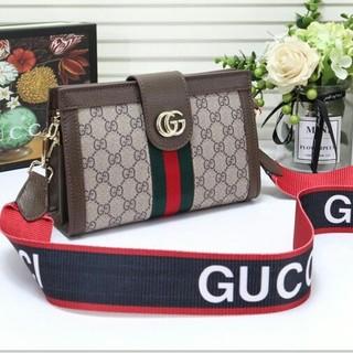 Gucci - 【Gucci】気前がいいクラシックショルダーバッグ