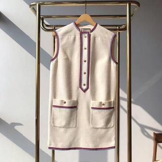 グッチ(Gucci)のGucci 19ssストライプのボタンが袖なしのワンピースを飾ります(ミニワンピース)