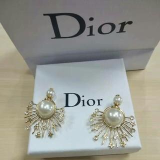 ディオール(Dior)のDior ディオール ピアス(ピアス)