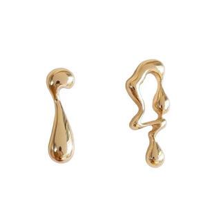 グリーンレーベルリラクシング(green label relaxing)の Asymmetry melt gold earrings No.101(ピアス)