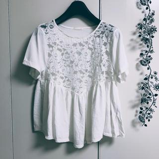 ジーユー(GU)のトップス 白レース  Tシャツ カットソー(シャツ/ブラウス(半袖/袖なし))