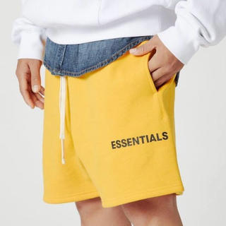 FEAR OF GOD - FOG ESSENTIALS GRAPHIC DRAWSTRING SHORTS