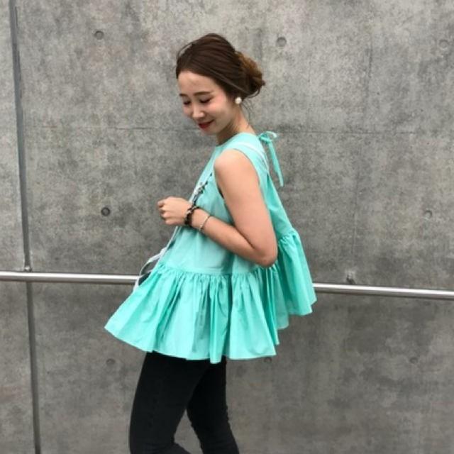 IENA(イエナ)の【新品未使用】random tier blouse グリーン mite レディースのトップス(シャツ/ブラウス(半袖/袖なし))の商品写真