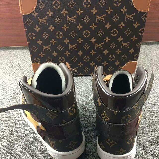 NIKE(ナイキ)のNIKE  LV x OW x AJ1 27.5cm メンズの靴/シューズ(スニーカー)の商品写真