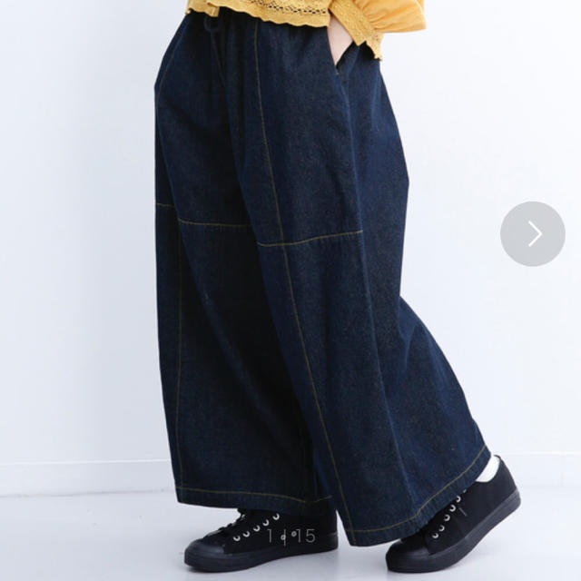 merlot(メルロー)のmugi様 merlot ワイドデニムパンツ レディースのパンツ(カジュアルパンツ)の商品写真