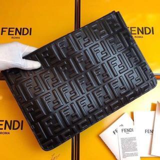 FENDI - 正规品FENDIクラッチバッグ ブラック新品未使用