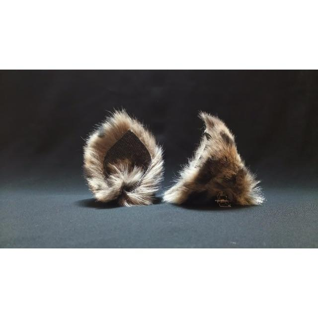 【 ケモノネコミミ 】ヘアピンねこみみ◆けもの風ねこ耳◆頭の髪に着けられる猫耳 ハンドメイドのファッション小物(その他)の商品写真