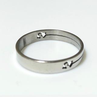 同時購入で300円 ステンレス指輪イルカ(リング(指輪))