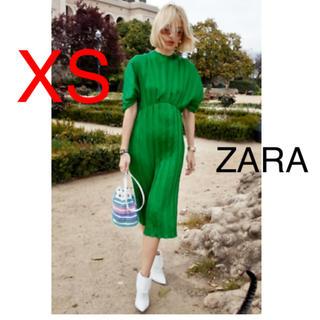 ザラ(ZARA)の新品!ZARA プリーツワンピース(ロングワンピース/マキシワンピース)
