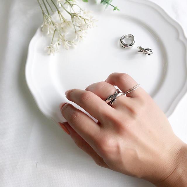 Ameri VINTAGE(アメリヴィンテージ)のnew ♡wide cross ring・silver925 レディースのアクセサリー(リング(指輪))の商品写真