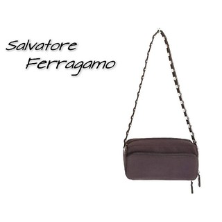 サルヴァトーレフェラガモ(Salvatore Ferragamo)のSalvatore Ferragamo フェラガモ ショルダーバッグ ブラウン(ショルダーバッグ)