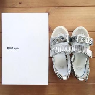 TOGA - TOGA PULLA サンダル ホワイト
