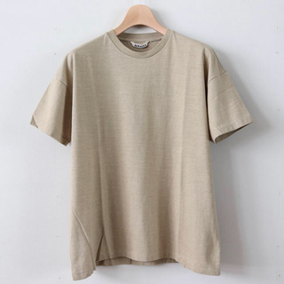 IENA - AURALEE シームレスクルーネックTシャツ ベージュ オーラリー