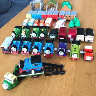 タカラトミー(Takara Tomy)のカプセルプラレール トーマスが大量(電車のおもちゃ/車)