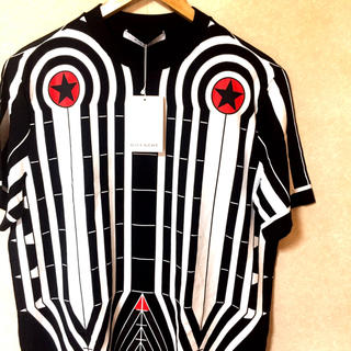 ジバンシィ(GIVENCHY)の【フォロー割有り】GIVENCHY 半袖シャツ 新品未使用(シャツ)