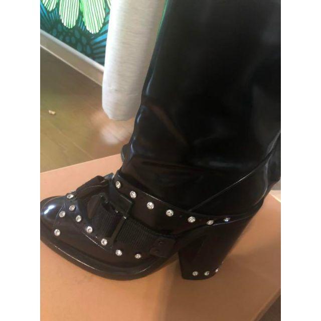 N°21(ヌメロヴェントゥーノ)のヌメロヴェントゥーノ No21 N21 ビジュースタッズ付きショートブーツ レディースの靴/シューズ(ブーツ)の商品写真