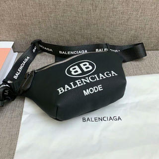 Balenciaga - バレンシアガ ボディバッグ レザー